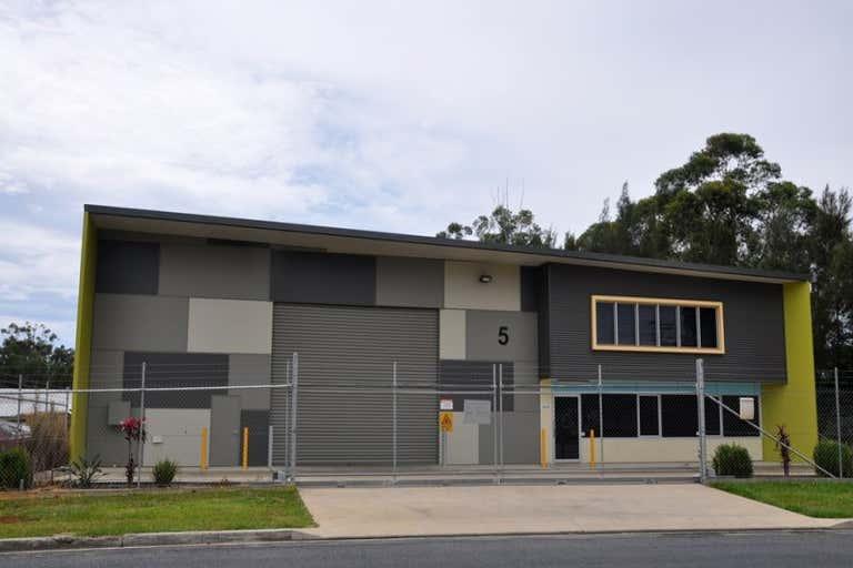 5 Featherstone Drive Woolgoolga NSW 2456 - Image 3