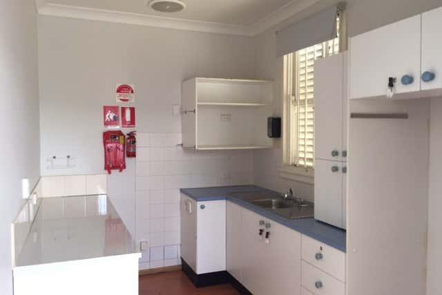 11 Burr Avenue Nowra NSW 2541 - Image 4
