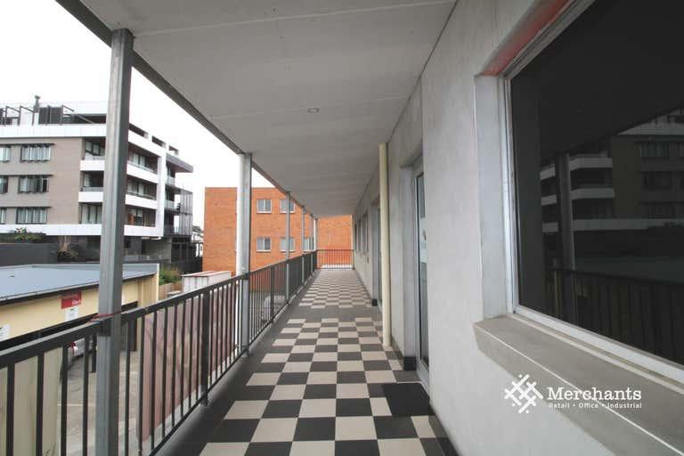 1/468 Kingsford Smith Drive Hamilton QLD 4007 - Image 1