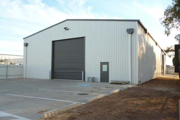 92 South Terrace Wingfield SA 5013 - Image 2