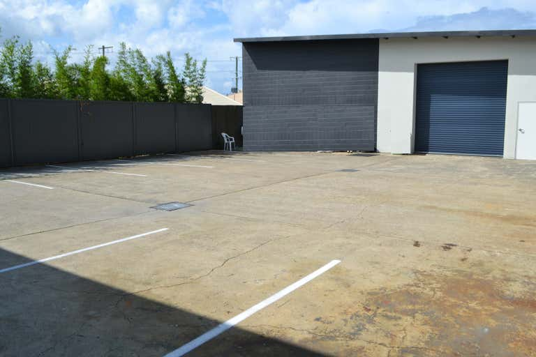 WEST BURLEIGH ROAD WAREHOUSE PLUS - Image 4