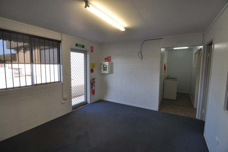 2/46-50 Hugh Ryan Drive Garbutt QLD 4814 - Image 4