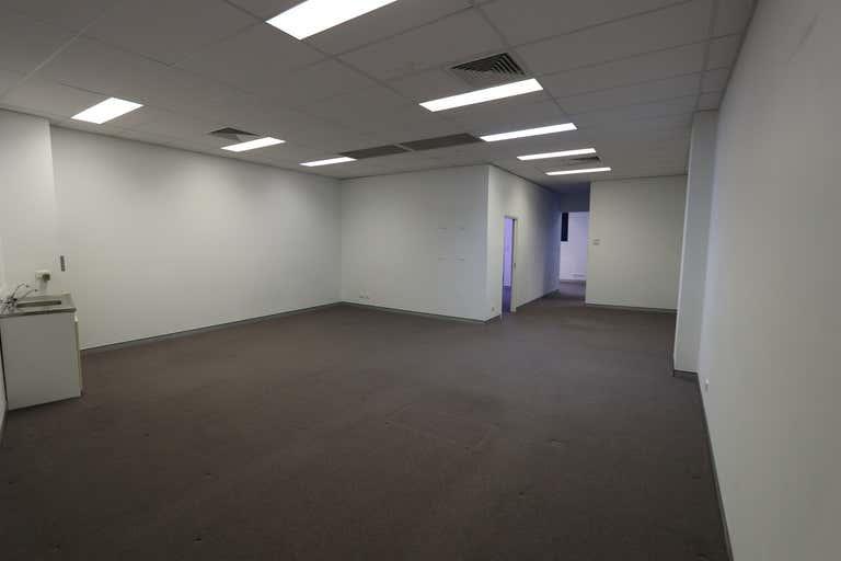 93 West Burleigh Road Burleigh Heads QLD 4220 - Image 2