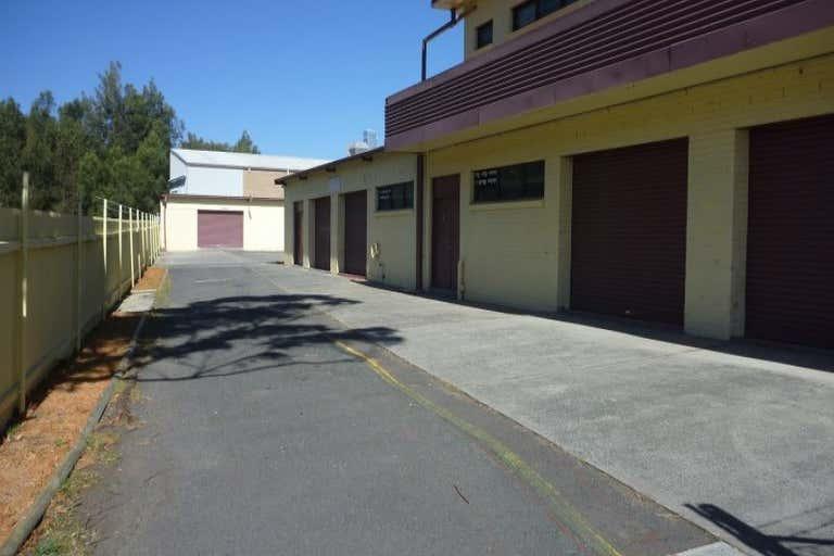 2/9 Mineral Road Oak Flats NSW 2529 - Image 3