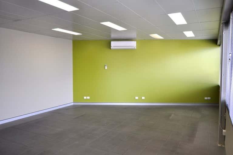 5 Featherstone Drive Woolgoolga NSW 2456 - Image 2