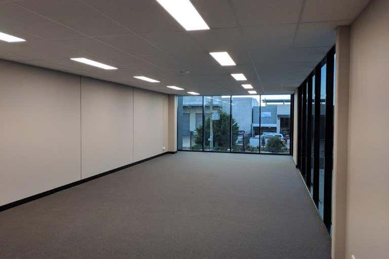 2/55 Chelmsford St Williamstown VIC 3016 - Image 3