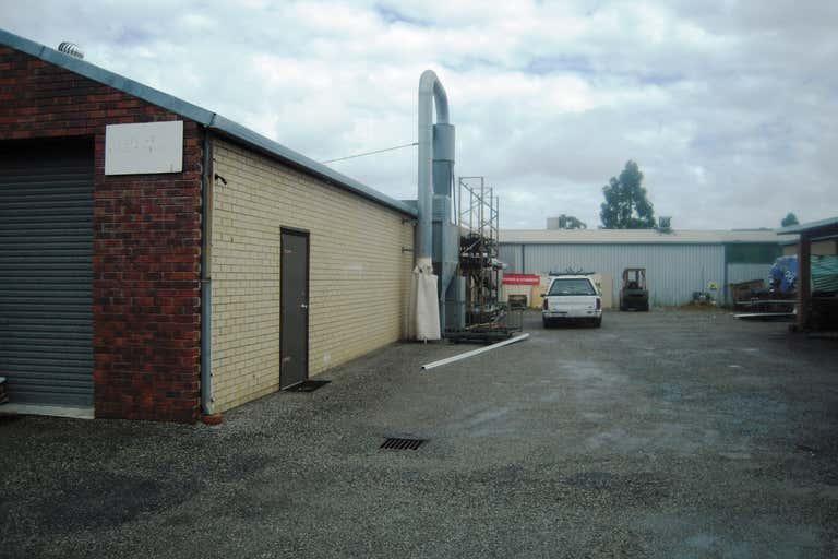 1A/3 Malcolm Road Maddington WA 6109 - Image 4