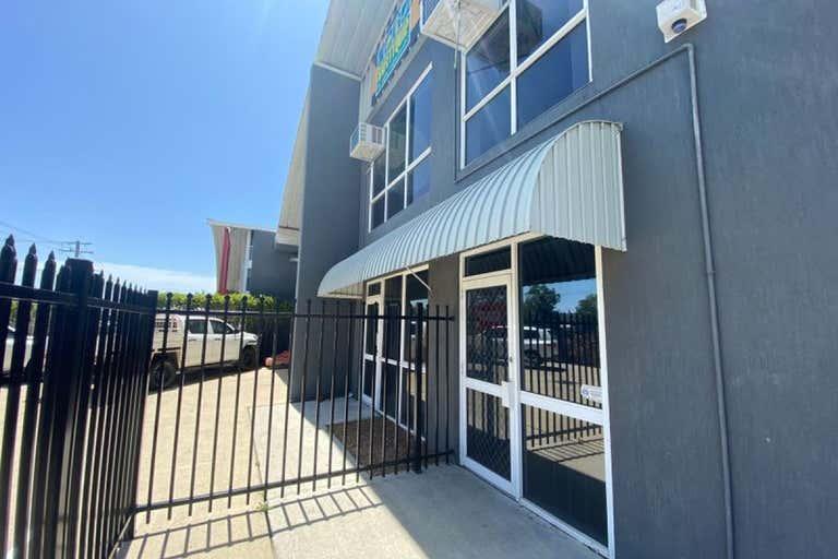 1b/38 Hutchinson Street Burleigh Heads QLD 4220 - Image 3