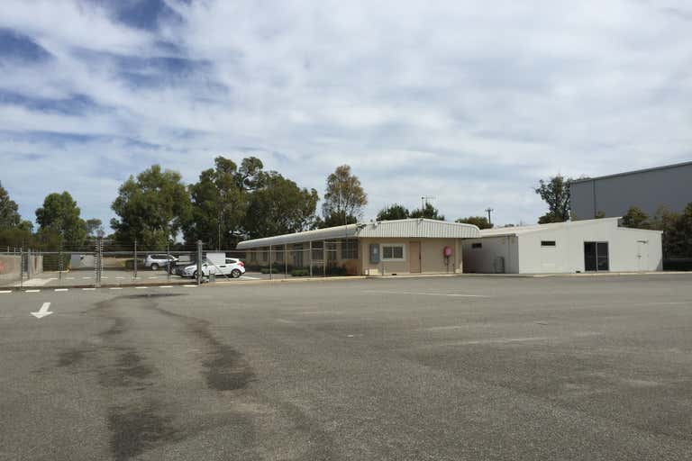 371 Mandurah Road East Rockingham WA 6168 - Image 2
