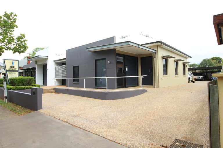 2/106-108 Herries Street East Toowoomba QLD 4350 - Image 2