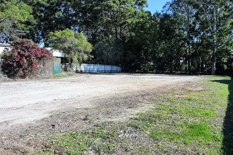 (L) Tenancy 3, Fenced Yard - 15 Merrigal Road Port Macquarie NSW 2444 - Image 4