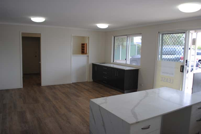 13-15 Carroll Street - Tenancy 1 Wilsonton QLD 4350 - Image 4