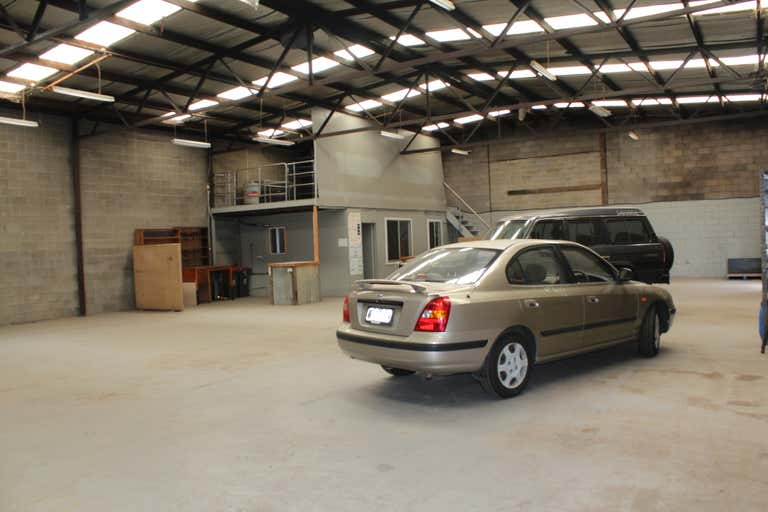 2/52 Commercial Road Morwell VIC 3840 - Image 4