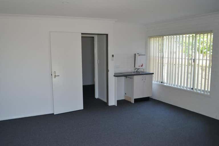 2/18 Park Avenue Burleigh Heads QLD 4220 - Image 4