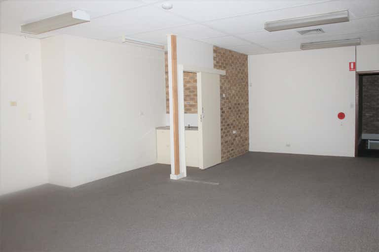 2/3 Violet Street Redcliffe QLD 4020 - Image 4