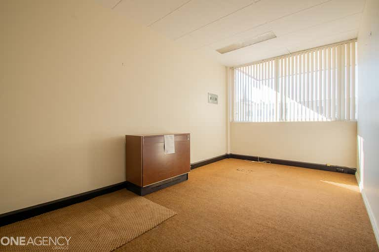 Suite, 2/212 Anson Street Orange NSW 2800 - Image 2