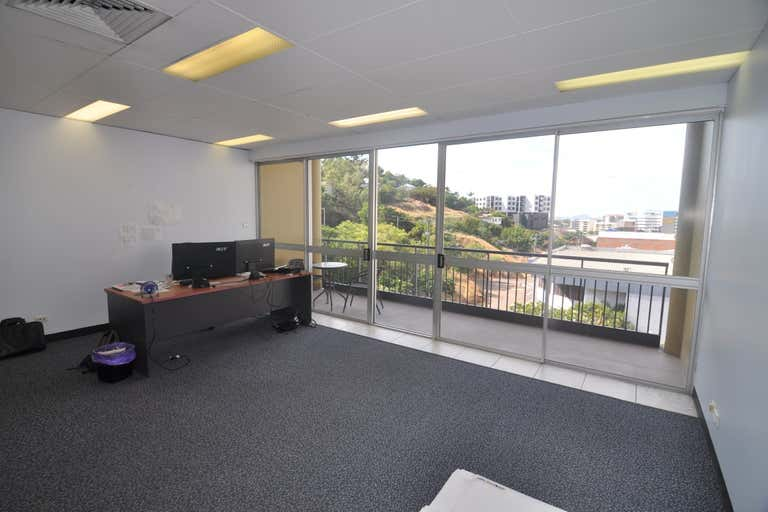Suite 4, 28 Hamilton Street Townsville City QLD 4810 - Image 1