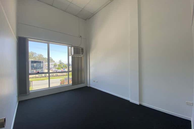 1b/38 Hutchinson Street Burleigh Heads QLD 4220 - Image 4