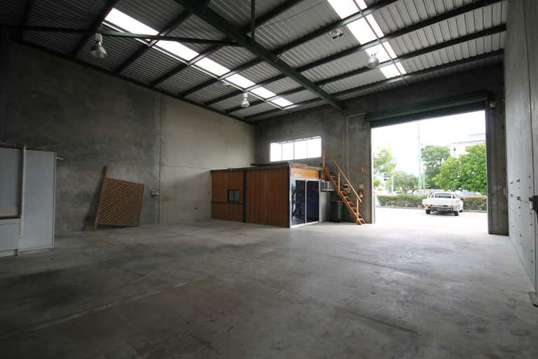 5/70 Andrew Street Wynnum QLD 4178 - Image 3