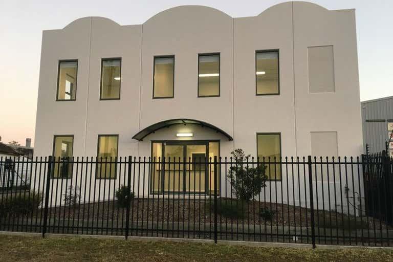 1-2/9 Carmichael St Raymond Terrace NSW 2324 - Image 2