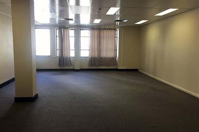 6/19 Bolton Street Newcastle NSW 2300 - Image 4