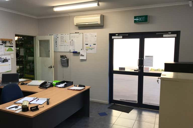 9 Transport Ave, Mackay Paget QLD 4740 - Image 2