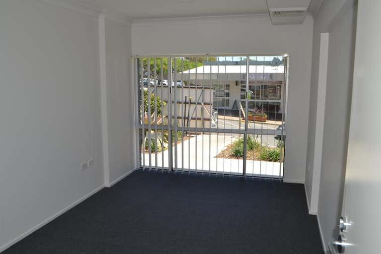 2/18 Park Avenue Burleigh Heads QLD 4220 - Image 2
