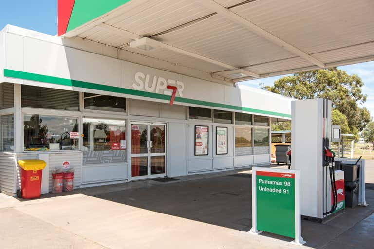 243-247 Bridge Street Oakey QLD 4401 - Image 2