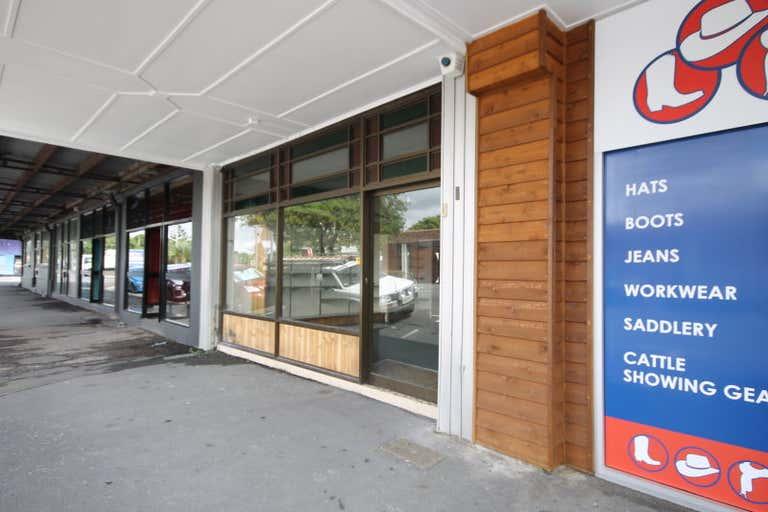 62 WILLIAMS STREET Rockhampton City QLD 4700 - Image 2