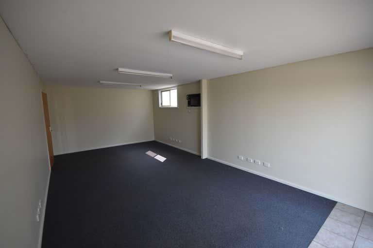 2/958 Carcoola Street North Albury NSW 2640 - Image 2