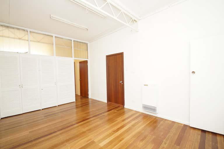 2/211 Beardy Street Armidale NSW 2350 - Image 3