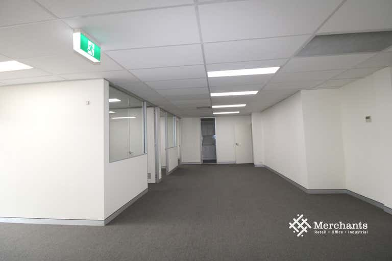 1/468 Kingsford Smith Drive Hamilton QLD 4007 - Image 4
