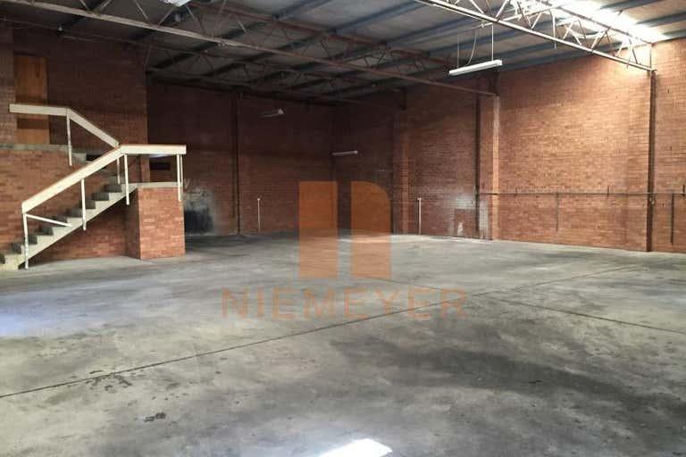 17 Powdrill Road Prestons NSW 2170 - Image 2