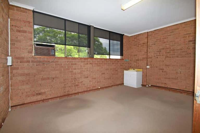 10/16 Bosworth Street Richmond NSW 2753 - Image 2