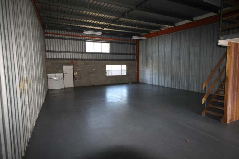 3/76 Andrew Street Wynnum QLD 4178 - Image 3
