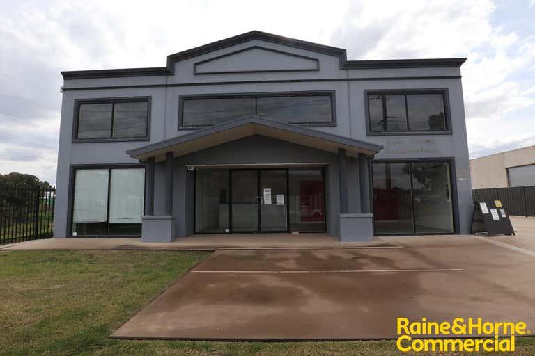 Unit 1, 71 Copland Street Wagga Wagga NSW 2650 - Image 1