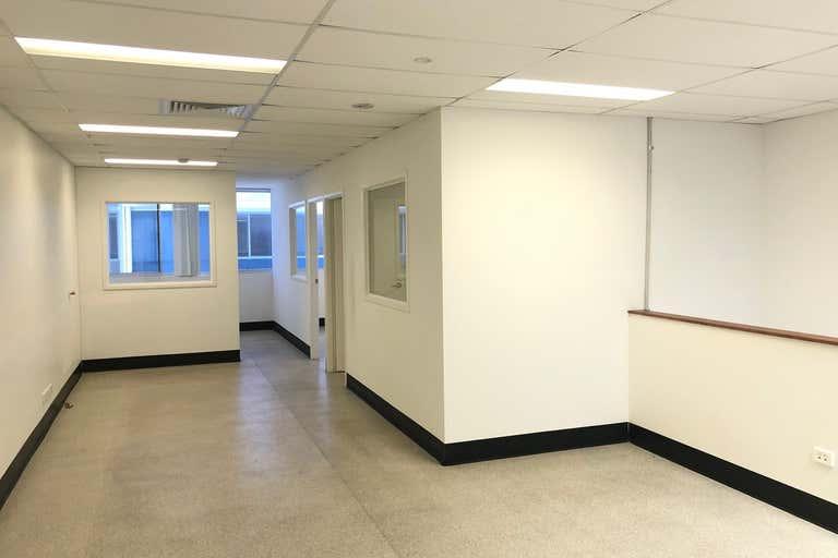 5/24 Finsbury Street Newmarket QLD 4051 - Image 3