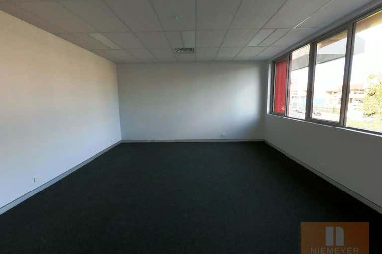 22 Hallmark Street Pendle Hill NSW 2145 - Image 3