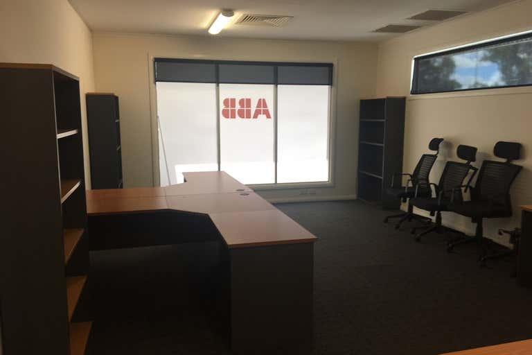 Village Travel Centre, 6 B, 30-50 Warrego Highway Chinchilla QLD 4413 - Image 4