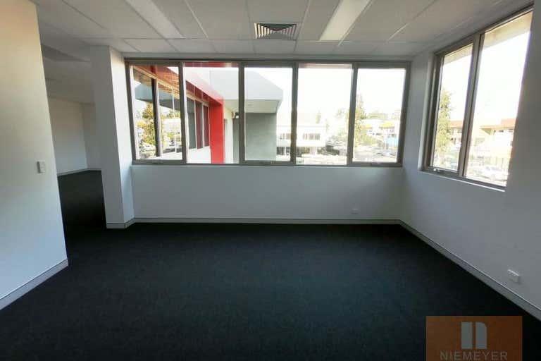 22 Hallmark Street Pendle Hill NSW 2145 - Image 4