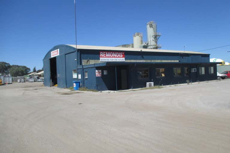32 Wingfield Road Wingfield SA 5013 - Image 1