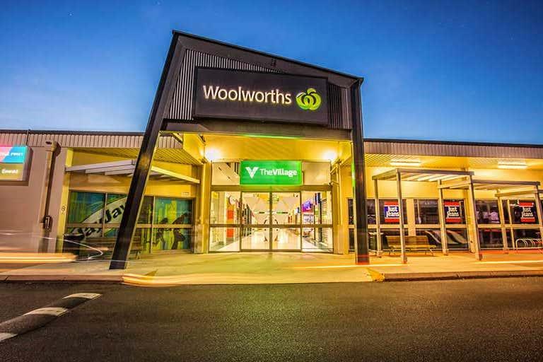 Emerald Village Shopping Centre, 51-57 Hospital Road Emerald QLD 4720 - Image 2