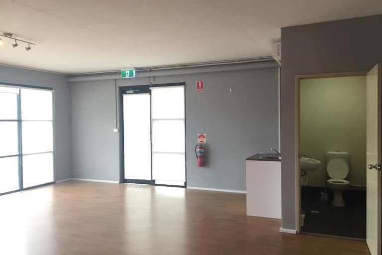 Office 28, 3 Kelso Crescent Moorebank NSW 2170 - Image 4
