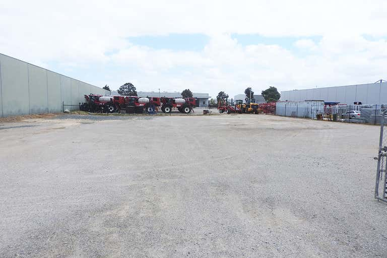 29 Bungana Avenue Perth Airport WA 6105 - Image 2