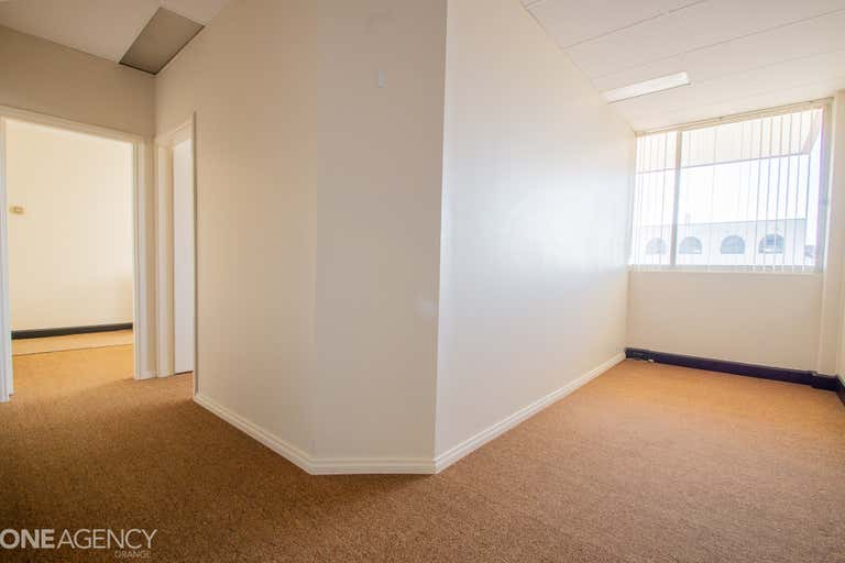 Suite, 2/212 Anson Street Orange NSW 2800 - Image 4