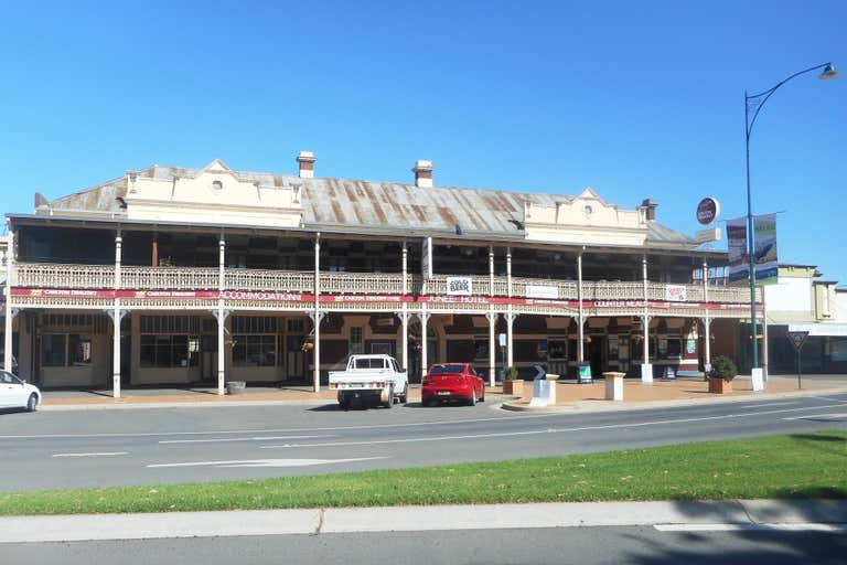 Junee Hotel, 17-21  Seignior Street Junee NSW 2663 - Image 1