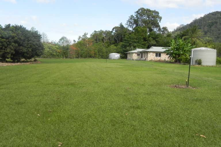 412 Kamerunga Road Stratford QLD 4870 - Image 1