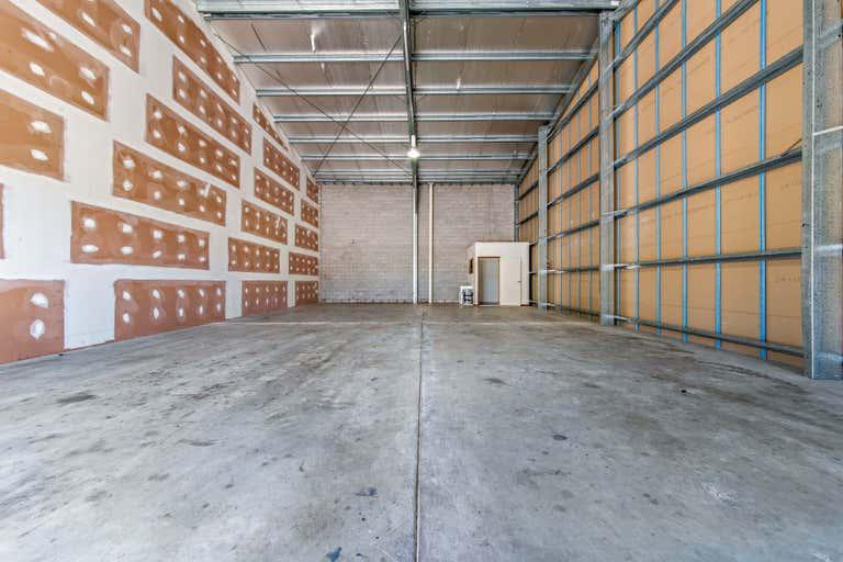 4/15 Carlo Drive Cannonvale QLD 4802 - Image 1