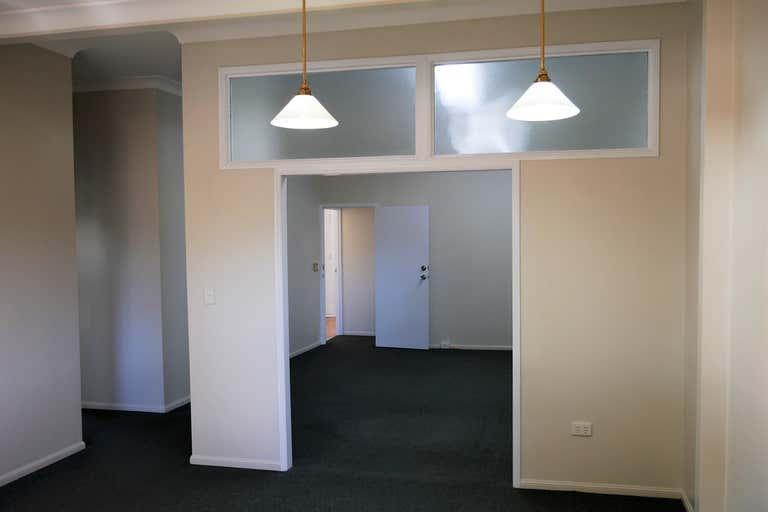 2/118 Herries Street East Toowoomba QLD 4350 - Image 3