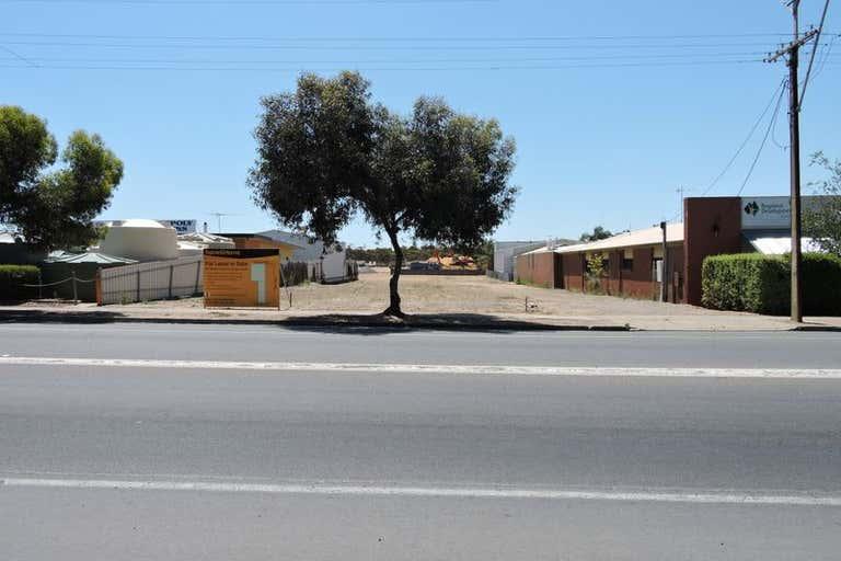 139-141 Adelaide Rd & 6-8 Rayson St Murray Bridge SA 5253 - Image 2